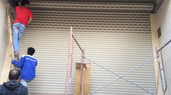 Cách khắc phục cửa cuốn bị hóc
